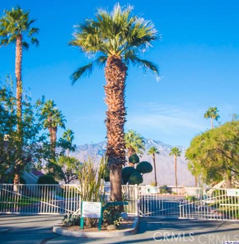 32505 Candlewood Drive, Cathedral City CA: http://media.crmls.org/medias/d3b598a0-8808-4f35-86a7-ca5f30754948.jpg
