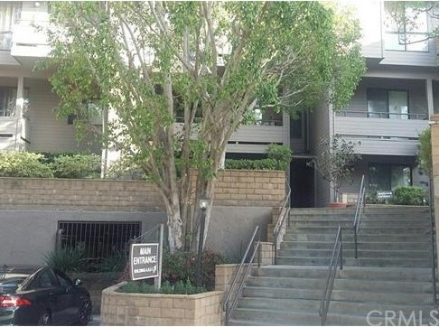 13543 Moorpark Street 7 Sherman Oaks, CA 91423 is listed for sale as MLS Listing IV16711413