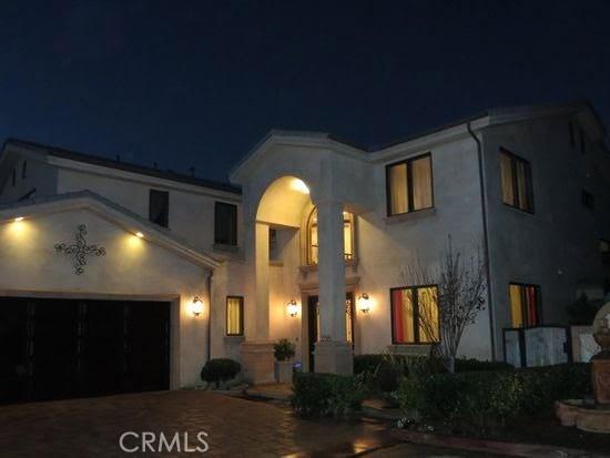 258 Santa Isabel Avenue, Costa Mesa, CA, 92627