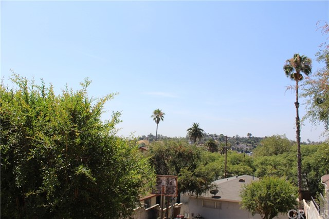 2464 Endicott Street, El Sereno CA: http://media.crmls.org/medias/d3d5993a-fe40-4683-ac98-b8861a1b7b8e.jpg