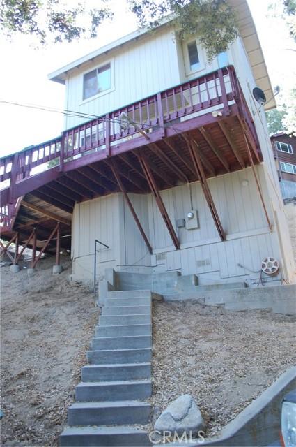 25105 Jewel Drive, Crestline CA: http://media.crmls.org/medias/d3f1577e-a188-4449-967d-dd0e2c3a7e78.jpg