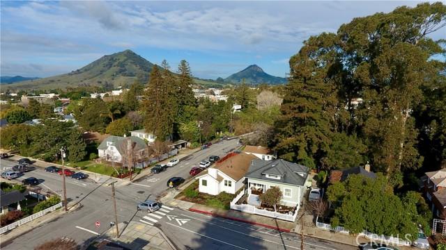 1208 Pismo Street, San Luis Obispo CA: http://media.crmls.org/medias/d3f59d52-60e4-4854-98f5-bef19d0fe7d6.jpg