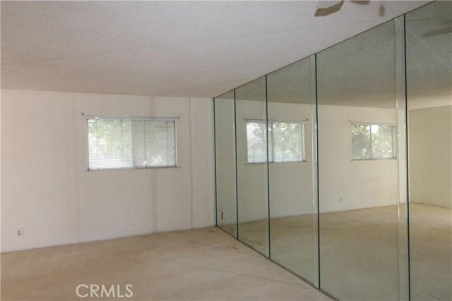 3008 Knollwood Avenue, La Verne CA: http://media.crmls.org/medias/d4041263-acff-4f1a-b65d-badf4d905572.jpg