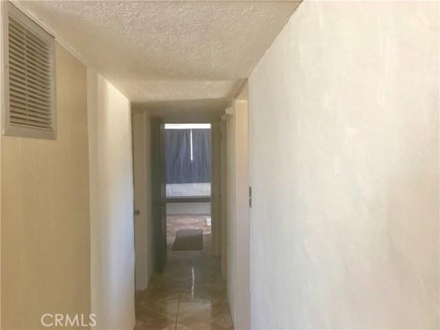 7496 Maude Adams Avenue, 29 Palms CA: http://media.crmls.org/medias/d416f833-a311-4ea8-9c79-b491ac4a5c2c.jpg