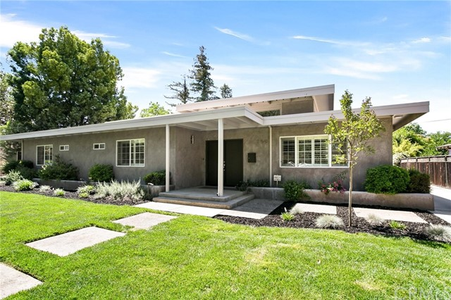 Detail Gallery Image 1 of 42 For 250 E 21st St, Merced,  CA 95340 - 4 Beds   3 Baths