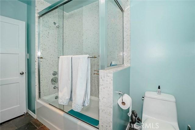 5231 Norwich Avenue, Sherman Oaks CA: http://media.crmls.org/medias/d418725d-345f-4527-9a95-b10423d95582.jpg