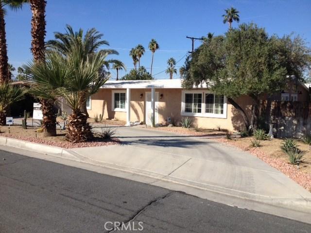 74430 Chicory Street, Palm Desert CA: http://media.crmls.org/medias/d428468f-629e-44ec-b21e-604fbcaf44df.jpg