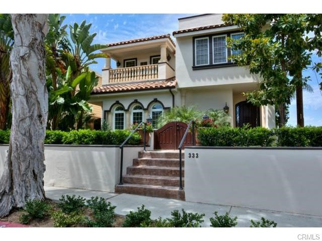 Single Family Home for Sale at 333 Poppy St Corona Del Mar, California 92625 United States