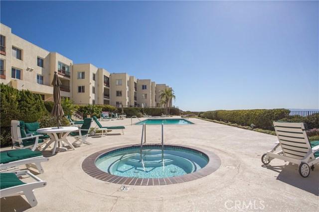 3200 La Rotonda Drive, Rancho Palos Verdes CA: http://media.crmls.org/medias/d441763b-3510-471f-8e49-c452e497634f.jpg
