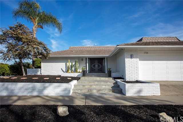 1734 Santiago Drive, Newport Beach CA: http://media.crmls.org/medias/d44ab33b-eccc-4def-bb3a-26b56bd5e3ec.jpg