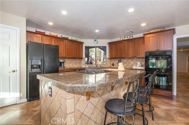 42090 Granite View Drive, San Jacinto CA: http://media.crmls.org/medias/d44d4693-2241-4faa-9d92-5fd55605018e.jpg