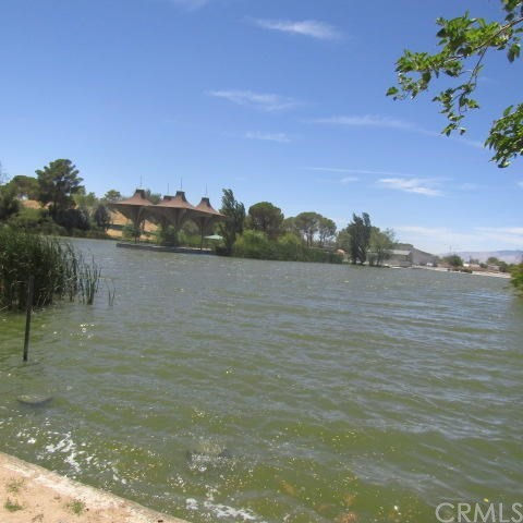 21309 Lake Shore Drive, California City CA: http://media.crmls.org/medias/d463a679-576d-4ab2-92a1-4e2a115dd697.jpg