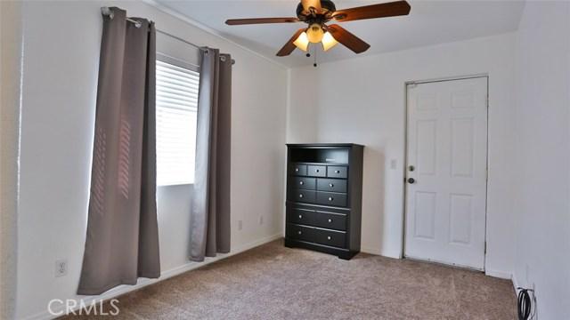 464 W E Street, Colton CA: http://media.crmls.org/medias/d468c527-7a69-4241-95d8-e712e2bba79e.jpg