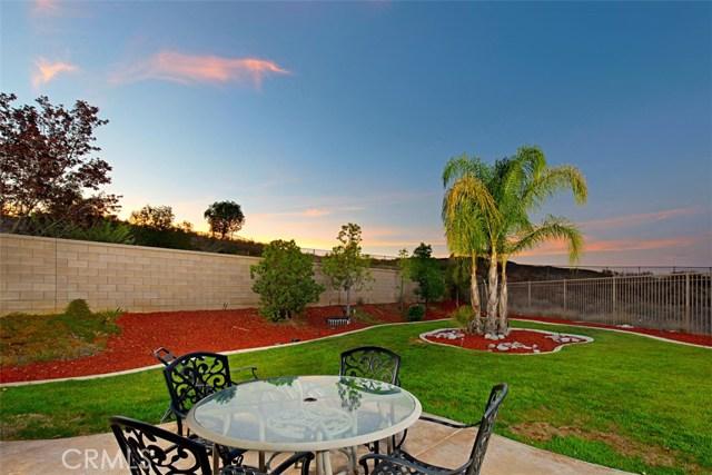 27594 Fern Pine Way, Murrieta CA: http://media.crmls.org/medias/d4693c85-c76d-4845-bbf0-fc5ca2b6b649.jpg