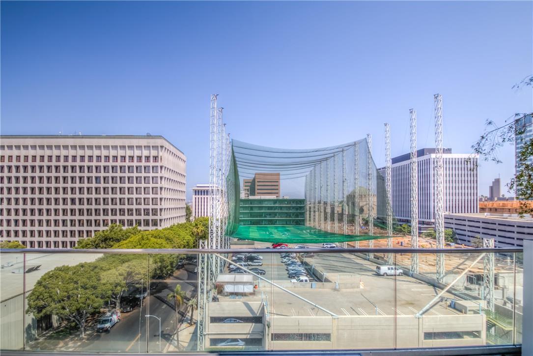 702 S SERRANO Avenue, Los Angeles CA: http://media.crmls.org/medias/d46ae25c-1f7f-4da0-8722-eb6265493e3a.jpg