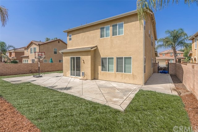 7642 Turtle Mountain Circle, Eastvale CA: http://media.crmls.org/medias/d4736014-8a23-4405-b234-ccce44000331.jpg