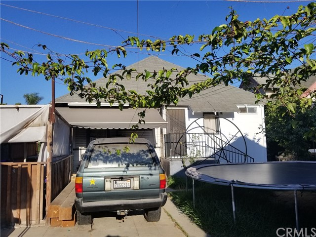 4111 Wall Street, Los Angeles CA: http://media.crmls.org/medias/d47a3f0a-7644-455d-9059-b0fb9ae444d4.jpg