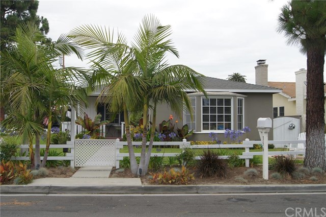 Single Family Home for Rent at 354 Flower Street Costa Mesa, California 92627 United States