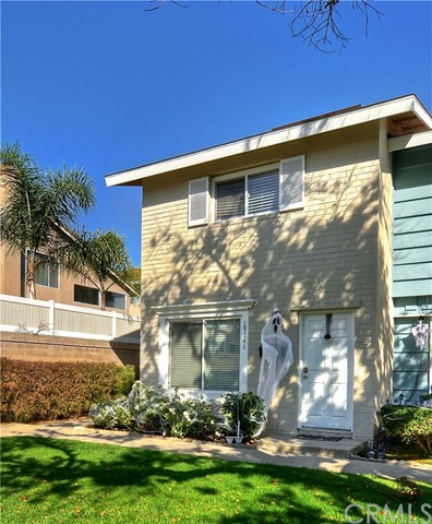19741 Claremont Lane Huntington Beach, CA 92646 is listed for sale as MLS Listing PW17239765