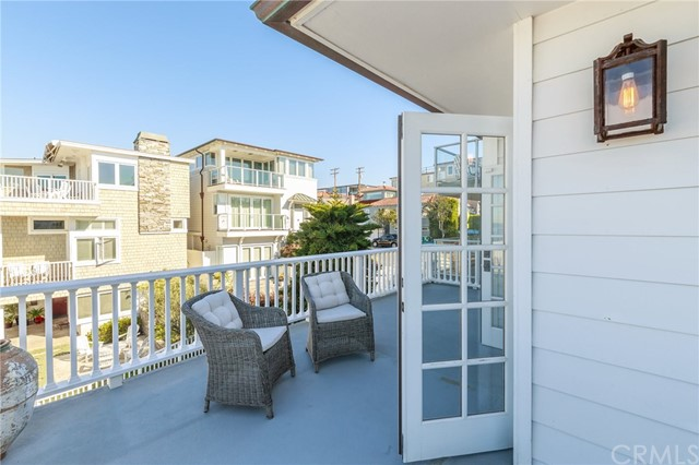 228 18th Street Manhattan Beach, CA 90266 - MLS #: SB18039708