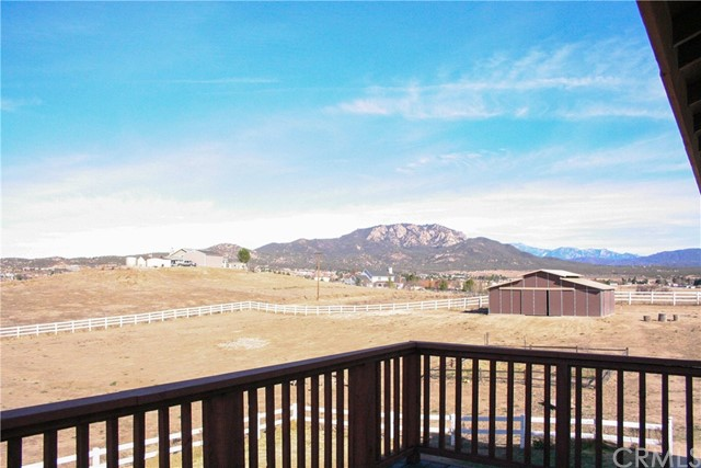 42160 Indian Hill Trail, Aguanga CA: http://media.crmls.org/medias/d493e8ac-ad3b-47a0-9fd2-1b976df5bfe7.jpg