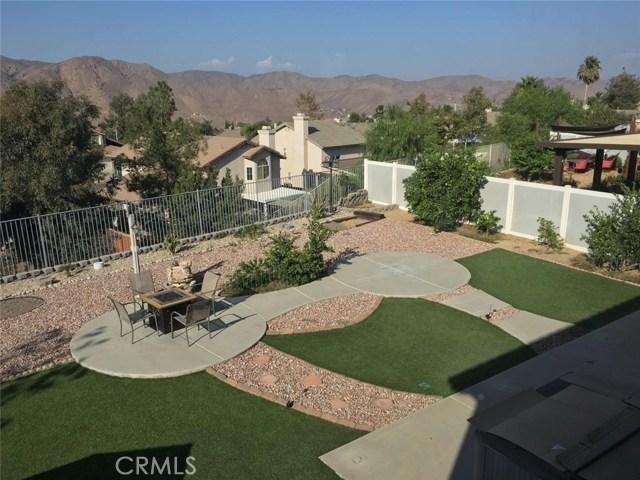 13200 Bay Meadows Ct, Corona CA: http://media.crmls.org/medias/d498de10-302b-4d2b-9033-d25dce8d7feb.jpg