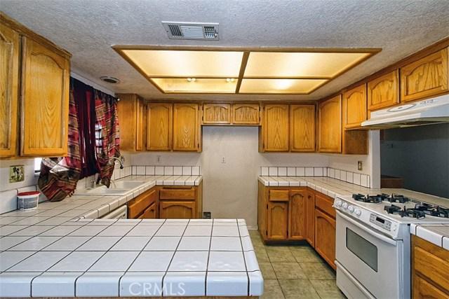 22482 Ramona Avenue, Apple Valley, CA 92307, photo 8