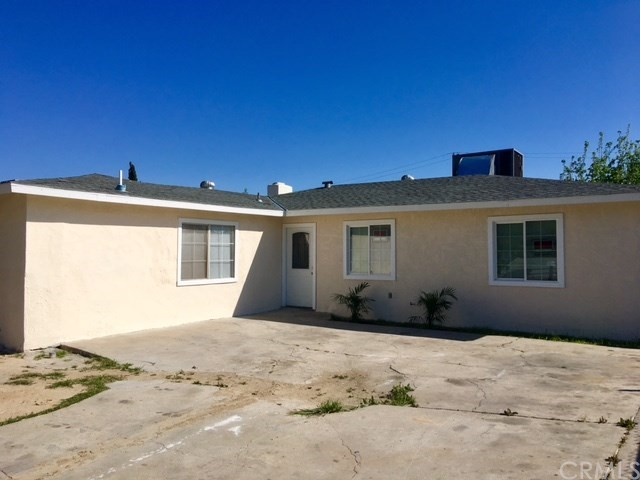 Single Family Home for Sale at 1711 Davidson Avenue Bakersfield, California 93305 United States