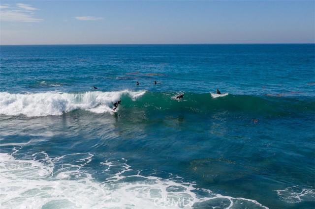 319 Cypress Drive, Laguna Beach CA: http://media.crmls.org/medias/d4c54a43-9d55-4f37-b8c9-7623deefc6d2.jpg