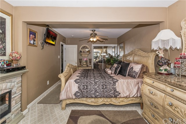 7639 Lankershim Avenue, Highland CA: http://media.crmls.org/medias/d4f3e9e2-6899-461b-9731-953a9a4f35a4.jpg