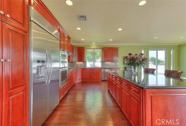 3186 Riverside Terrace, Chino CA: http://media.crmls.org/medias/d4fd0fcd-470f-4619-85ae-6516716d4435.jpg