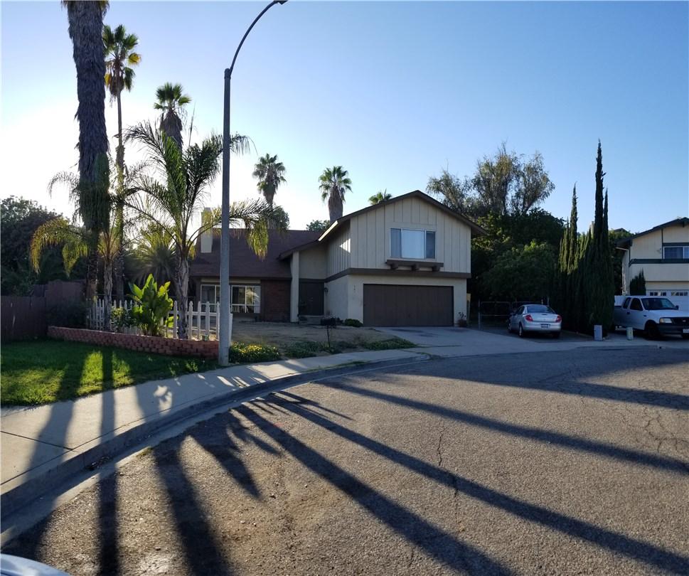 941 Baron Place, Escondido CA: http://media.crmls.org/medias/d4ff149b-9587-4719-85f4-730a74a81a4c.jpg