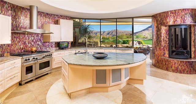 Additional photo for property listing at 890  Crescent Falls 890  Crescent Falls Palm Desert, California 92260 United States
