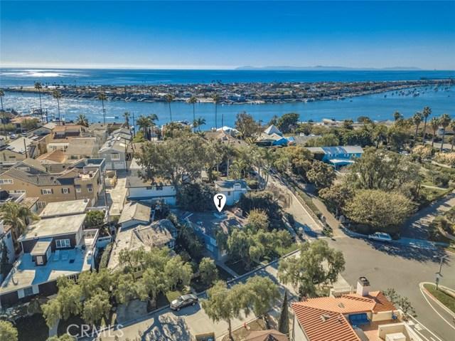 2201 Waterfront Drive, Corona del Mar CA: http://media.crmls.org/medias/d51a57cd-6f22-43cd-a144-45d3bce45b25.jpg