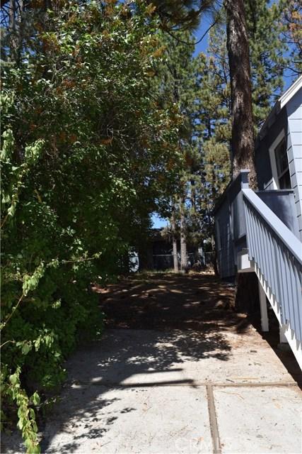 416 Vista Lane, Big Bear CA: http://media.crmls.org/medias/d51ed467-acdd-4d1a-95b3-63d68ec2207e.jpg