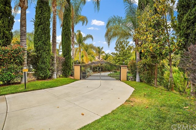 Photo of 16041 Heritage Grove Road, Riverside, CA 92504