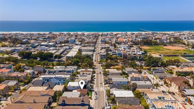 654 8th Hermosa Beach CA 90254
