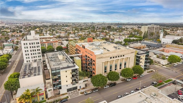835 Locust Avenue, Long Beach CA: http://media.crmls.org/medias/d53b6ddb-57b7-4b22-bf39-7fbca54b818a.jpg