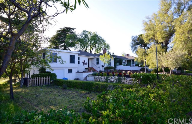 2135 Olive Street, Paso Robles, CA 93446
