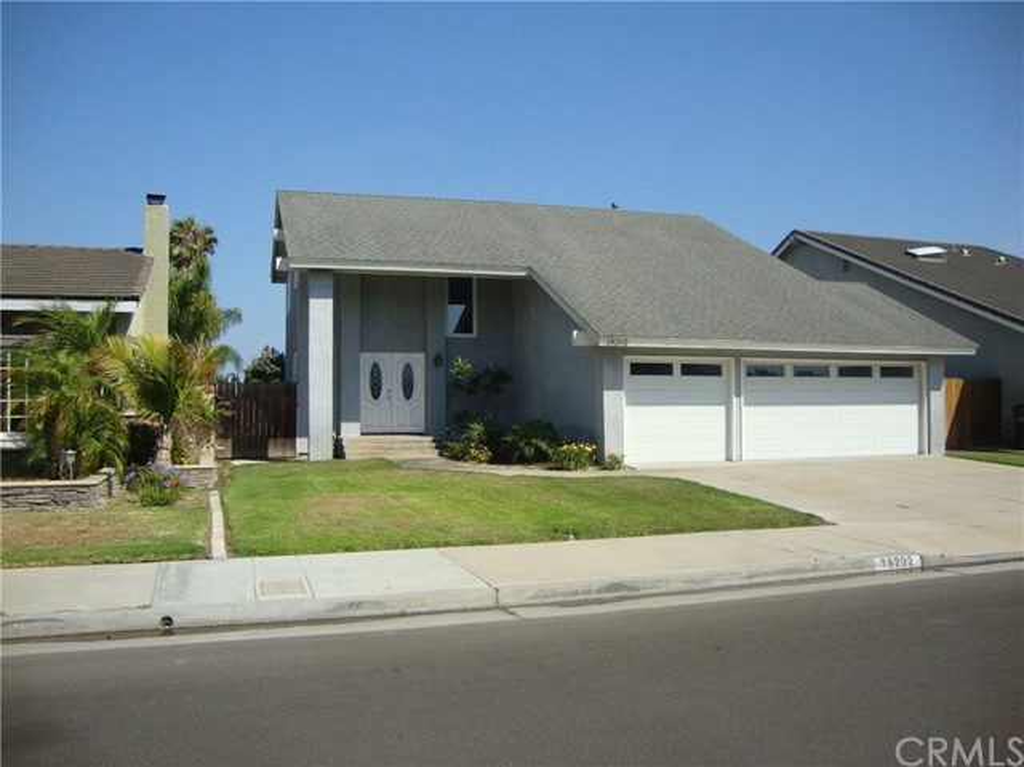 18202 Foss Lane Huntington Beach, CA 92648 OC17152607