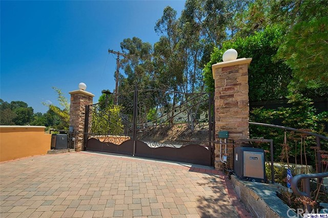 10525 Mary Bell Av, Shadow Hills, CA 91040 Photo