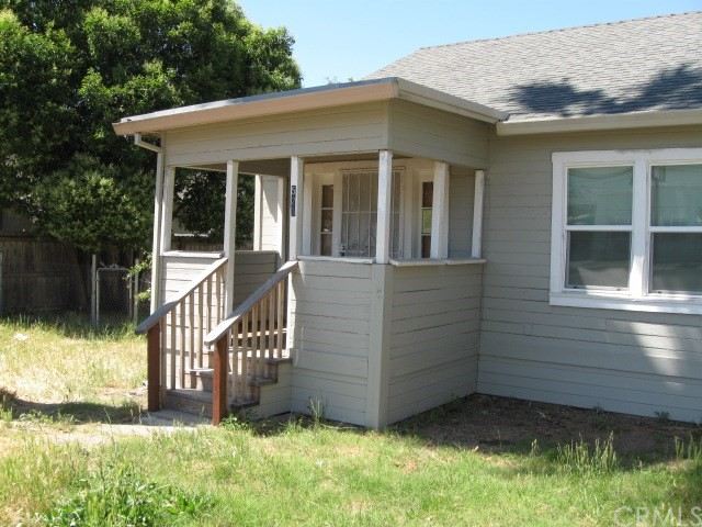 523 E Wood Street, Willows CA: http://media.crmls.org/medias/d56d3217-1870-4161-9c20-b34bfb3bf67f.jpg