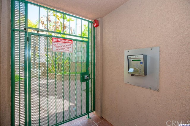 5420 Sylmar Avenue, Sherman Oaks CA: http://media.crmls.org/medias/d5715ba0-565d-42f4-b0ca-3123c71524b2.jpg