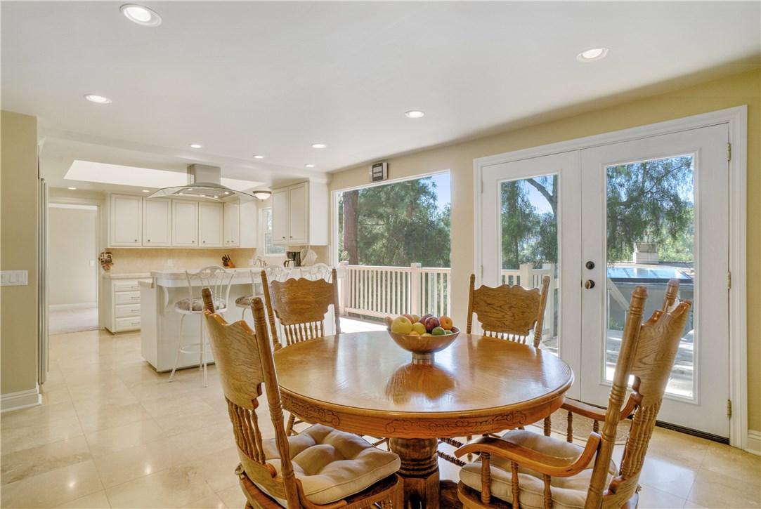 18 Ranchview Road, Rolling Hills Estates CA: http://media.crmls.org/medias/d583faf6-092b-4c3f-8d3d-f3b433d65afa.jpg
