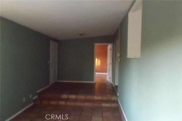 10766 San Jacinto Street, Morongo Valley CA: http://media.crmls.org/medias/d58aac8e-2347-49f1-8907-b0df82c7a610.jpg