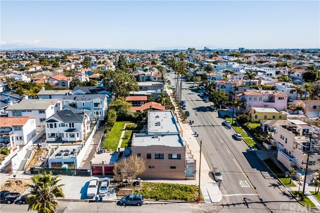 601 Garnet Street, Redondo Beach CA: http://media.crmls.org/medias/d5980417-d3fb-4d3a-af13-5b65bed8aa4e.jpg