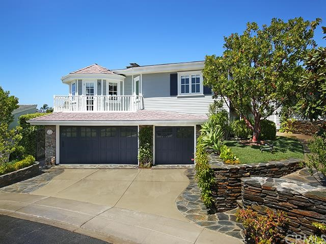 Single Family Home for Rent at 421 Cabrillo St Corona Del Mar, California 92625 United States
