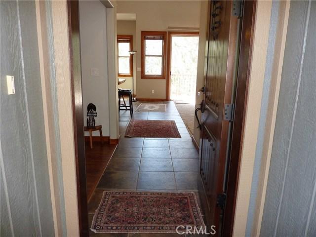 Casa Unifamiliar por un Venta en 6432 Spruce Street Angelus Oaks, California 92305 Estados Unidos