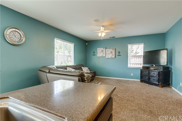 31991 Sugarbush Lane, Lake Elsinore CA: http://media.crmls.org/medias/d5a5a297-ae17-4b0e-aad7-aade2bad4ed9.jpg