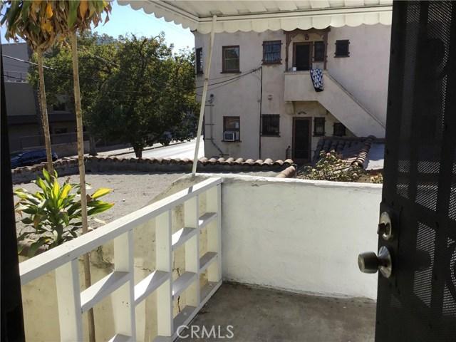 4302 Russell Avenue, Los Angeles CA: http://media.crmls.org/medias/d5a63b6b-f1e9-4770-bd0c-0451be619977.jpg